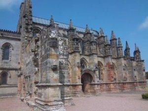 Die bezaubernde Roslyn Chapel nahe Edinburgh
