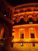 Die Royal Albert Hall bei Nacht