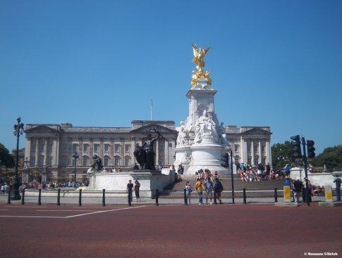 Das Victoria-Denkmal vor dem Buckingham Palace