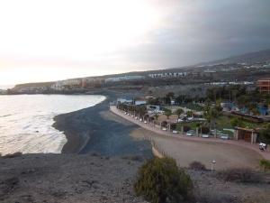 Der Strand direkt vorm Hotel.