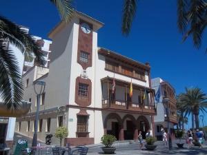 Häuser im Colonialstil in der Inselhauptstadt San Sebastian