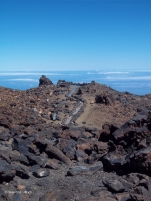 Weg zu einem der Aussichtspunkte auf dem Teide