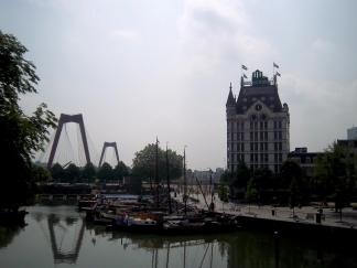 Die Willemsbrug und Het Witte Huis und die