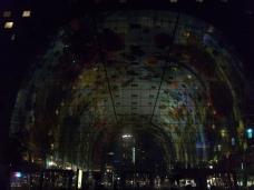 Die Markthalle bei Nacht