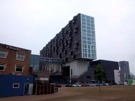 Bienenwabe wird dieses Gebäude genannt