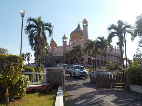 Die größte Moschee in Kuching