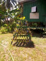 Pyramide mit recycelten Blumentöpfen