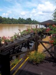 Die Bootsanlegestelle der Kinabatangan Lodge