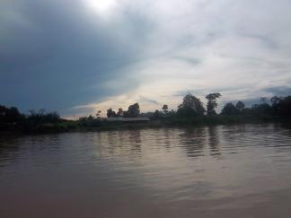 Abenddämmerung am Fluss