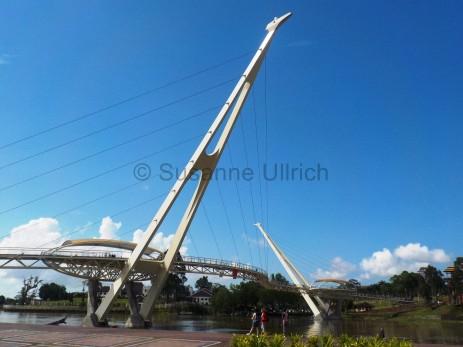 Die tolle neue Fussgängerbrücke über den Sarawak