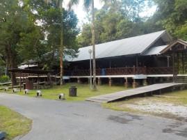 Das Forest Hostel in Matang: ein typisches Langhaus