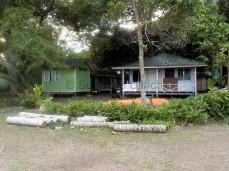 Das grüne Häuschen links ist meine Unterkunft