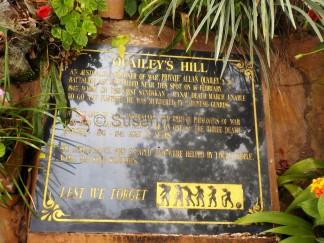 Kriegs-Denkmal für die Todesmärsche: Quaileys Hill