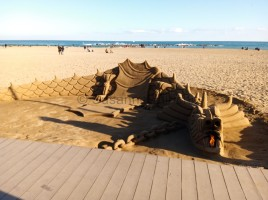 Künstler: Einige Sandfigurenbauer zeigen ihre vergänglichen Werke
