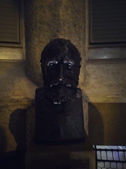 Gestatten, Antoni Gaudi