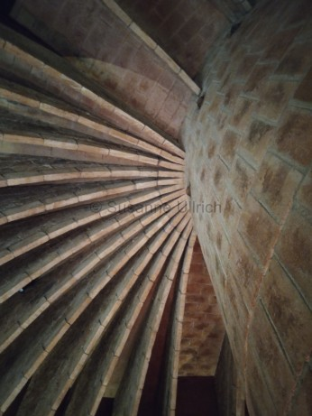 Ein Blick nach oben lohnt in der Casa Mila immer