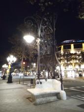 Auch diese Straßenlaternen hat angeblich Gaudi geschaffen