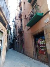 Beim Streifzug durch die Altstadt laufen wir teils durch menschenleere enge Gassen