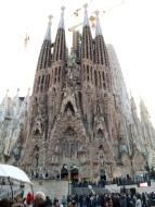 Die opulente Geburtsfassade der Sagrada Familia