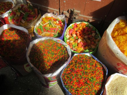 Auf dem Markt: angeblich asiatische Nudeln