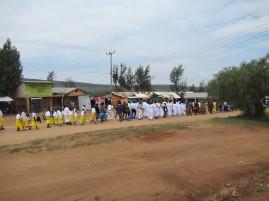 Sonntägliche Prozession in einer der kleinen Ortschaften